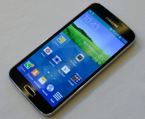Galaxy S5, el nuevo buque insignia de Samsung (foto: The Verge)